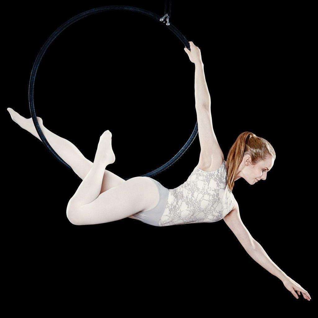 Aerial Hoop show für Hochzeit