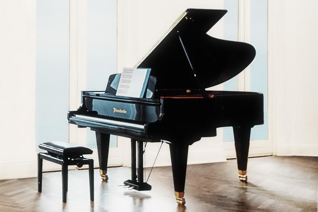 Aerial Piano Flügel